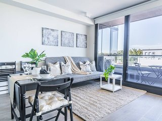 Stylish South Yarra Pad With A View