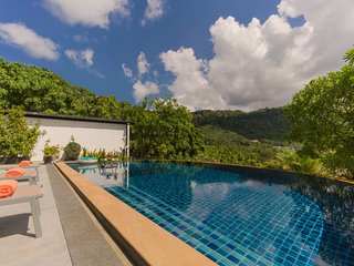 Private Modern Pool Villa Mountain Views for Large Family and friends VNDC