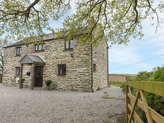 BARN COTTAGE, countryside views, barn conversion, woodburning stove