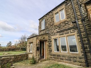17 UPPER MARSH LANE, south-facing garden, countryside views, en-suite, Ref 97194