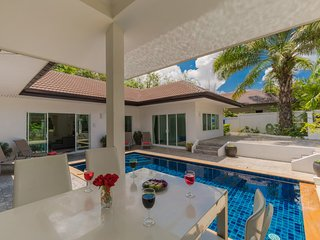 Private Pool Villa 4 bedrooms Green area