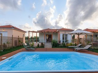 'Dimitra' Villa with pool, 250m from the beach