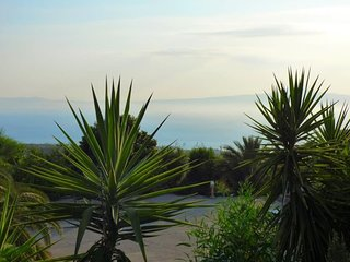 2 Studios In Garden with View to the Sea