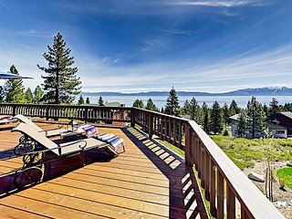 Lake View 4BR w/ Pool Table & Private Beach, Deck & Pier - 8 Miles to Skiing