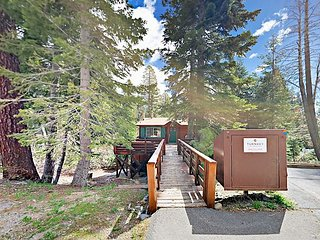 4BR w/ Hot Tub, 2 Fireplaces & Tahoe Park Beach Access - Near Skiing & Hiking