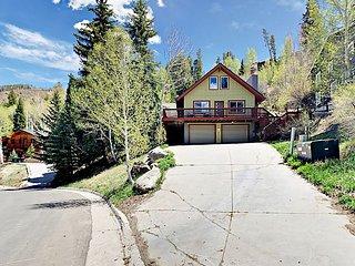 "Cozy 1BR Alpine Studio w/ High-End Mattresses, Hot Tub, 50"" TV & Full Kitchen"