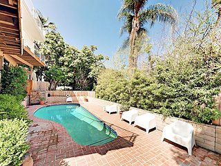 3BR/3BA w/ Heated Pool, Decks & Grill - Walk to Hollywood Bowl & Boulevard