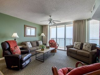 Crescent Shores Luxury Vacation w/ Ocean Front Balcony & Breathtaking Views!