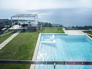 'Land mark'villa with pool / breathtaking sea view