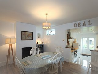 A lovely coastal cottage sleeping 6 with a sunny garden minutes from beach.