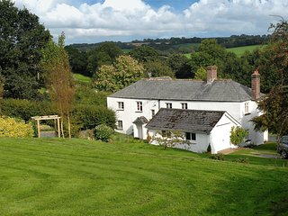 Hartwell (farmhouse in W. Devon with pool)