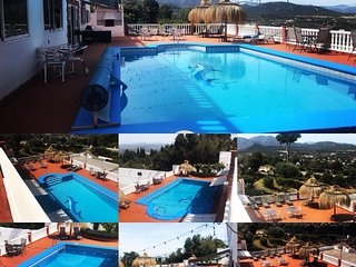 Luxury 2 bed apartment refurbished with shared pool/hot tub close to Mijas