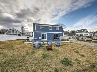 NEW! York Beach Home w/ Long Sands Beach Access!