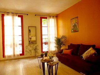 Arles Centre : 'Les Volets rouges' Appartement 2