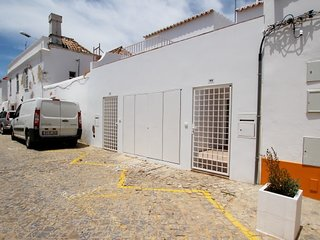 TV-11O - New T-1 apartment with open and spacious areas in the center of Tavira