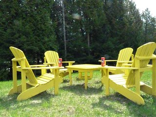 Spacious upper cottage on private lot near Sauble Beach and Main St.