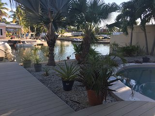 Canal Front, Dockage, Private Pool, Upscale Key West Home with Offstreet Parking
