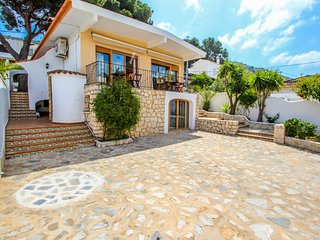 Pedro - two story holiday home villa in El Portet