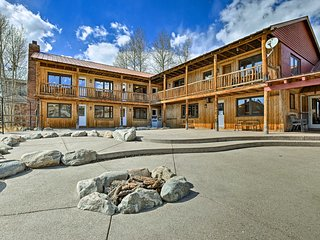 NEW! 'Marooned Inn' 8BR Grand Lake Family Lodge!