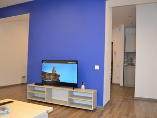 Blue apt. on Sayat-Nova