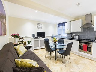 Spacious & Homely 2 bed-apartment