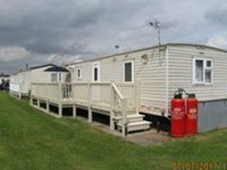 Purple Themed 8 berth Caravan, Ingoldale Park.