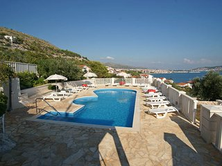 C20412 Villa Apartments - superb location with panoramic sea views, pool, tennis