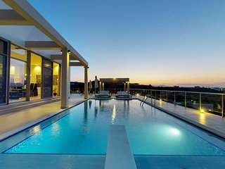 VIP Seaview Villa, 900m From Agia Marina Sandy Beach Chania