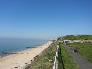 BOURNECOAST - BEAUTIFUL PANORAMIC SEA VIEWS OF BOURNEMOUTH - FM1410
