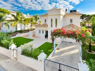 Outstanding Detached Villa with Pool