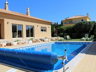 Flying Fish Villa, Pool, BBQ, Extensive Gardens