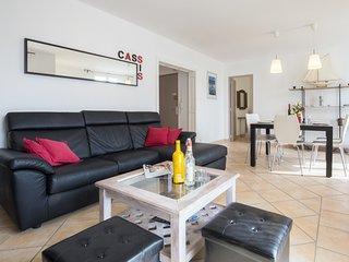 CASSIS EXCEPTIONNEL:  Votre appartement 4**** Vue Mer- Parking Prive - WIFI