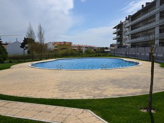 VV BS - Fabulous 3 bedroom apartment with pool and parking, 200m from the beach
