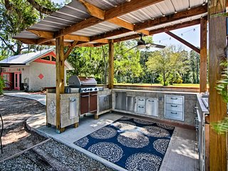 Relax while dinner sizzles on the gas grill at this shared outdoor space!