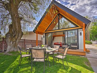 NEW! Modern Waterfront Home on Lake Osoyoos!