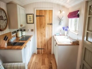 Bertie's Retreat, Shepherds Hut