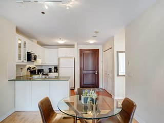 106 LaMontagne . Luxurious 2 Bedroom Condo - Prime location
