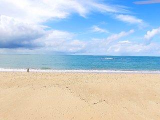 Village 3 suites - Itacimirim - Pe na Areia a 5Km de Praia do Forte