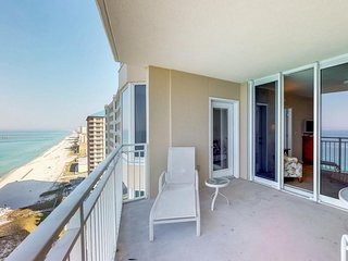 NEW LISTING! Stunning oceanfront condo w/shared pool and hot tub, views and more