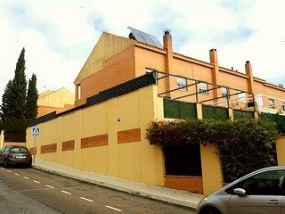 Chalet pareado en Bormujos a 10 min de Sevilla