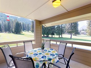 Roomy condo near skiing & lake Wenatchee. Take advantage of midweek golf special