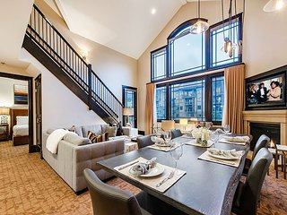 Luxury Hotel Suite Includes Full Living Room, Dining Room, Kitchen and W/D