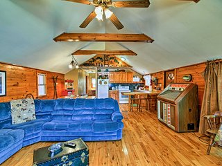 NEW! Caroga Lake Cabin - Ski-in from Royal Mtn!