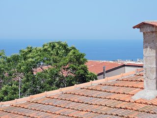 Zambas Court 3 bedrooms penthouse flat 302 with terrasse 40m2