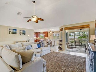 Gulf Access Waterfront Home w/ Boat Dock, Free Kayaks & Bikes, Bike to Bonita Be