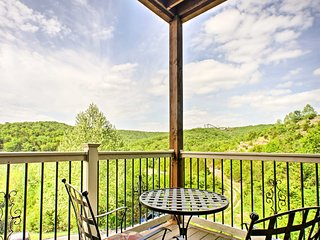 Branson Condo w/Patio&Pool near Silver Dollar City