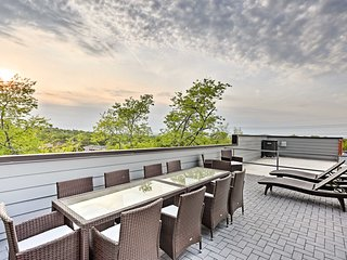 Nashville Home w/ Rooftop Deck - 2 Miles to DT!