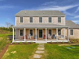 Huge Nantucket Home Near Beach & Town Center!