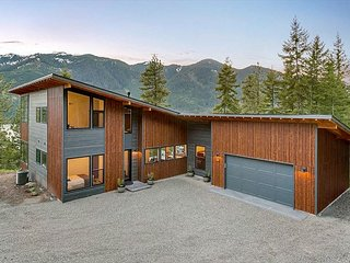 3-for-4-Private Mountain Modern Home-Amazing Views-Covered Patio*Slps10-Wi-Fi