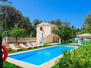 SunSole Villa: Corfu villa with private pool, air-conditioned, close to the